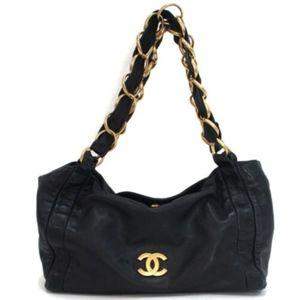 CHANEL Leather GHW Chain CC Logo Shoulder Bag